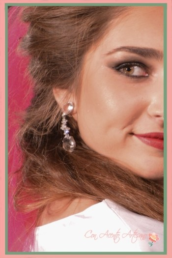 Pendientes largos y translúcidos de la nueva colección para novias de José Álvarez Joyeros