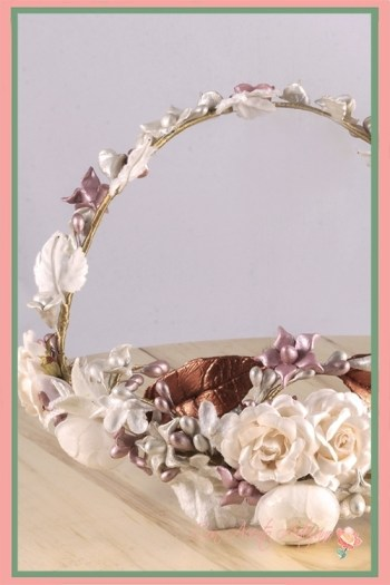 Diadema de perlas, flores y florecillas de porcelana fría para novias de Ópalo Negro