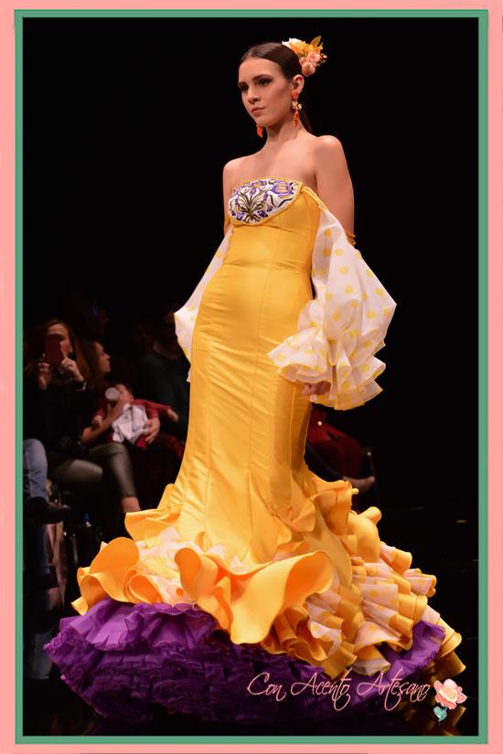 Traje de flamenca amarillo de José Javier León en SIMOF2018