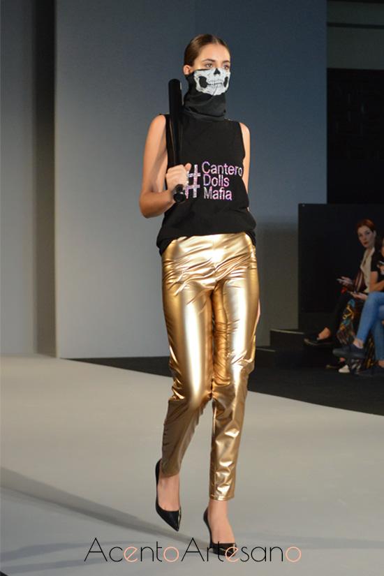 Pantalón vinilo de Tania Cantero
