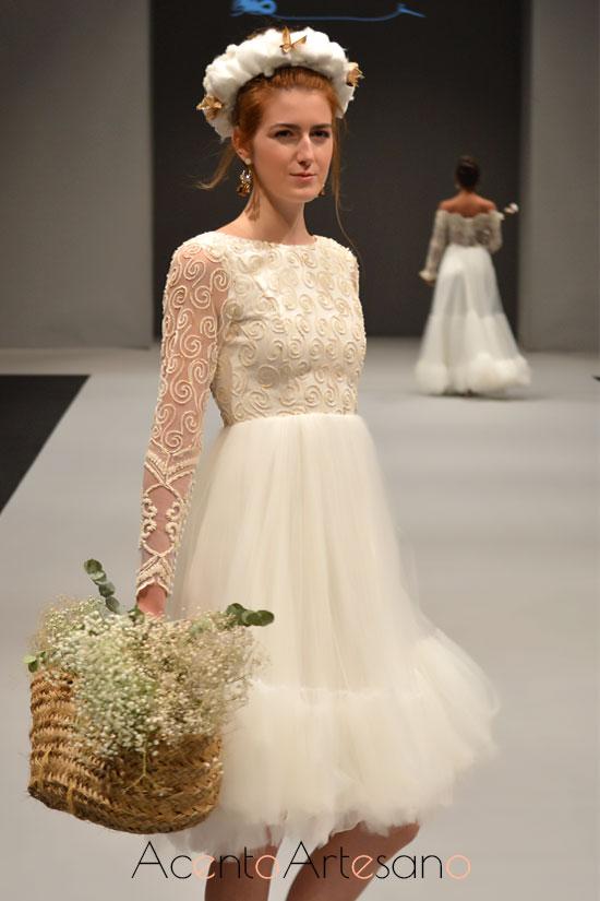 Vestido de novia ladylike de tul de María Amador