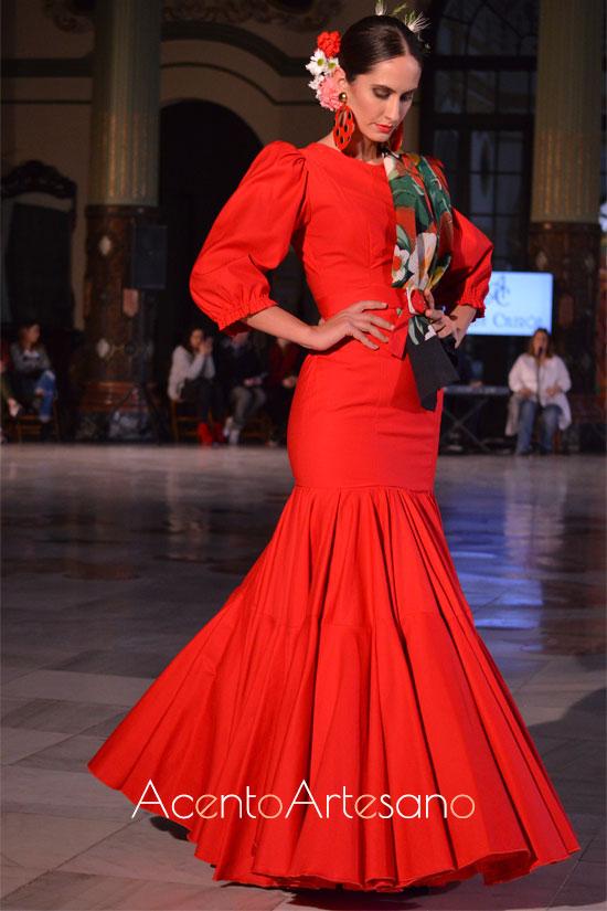 Traje de flamenca rojo de un sólo volante canastero  de Alba Calerón