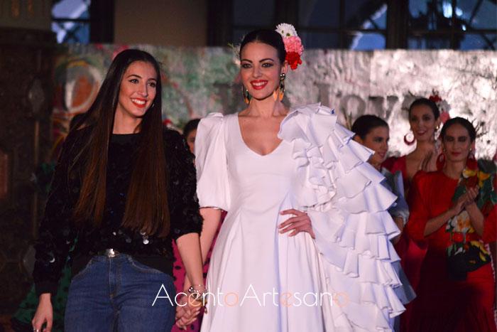 Alba Calerón tras el carrusel de su desfile en Viva by WLF19
