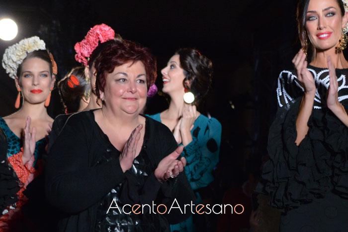 Carmen Acedo tras el carrusel de su colección Calle Castilla en We Love Flamenco 2019