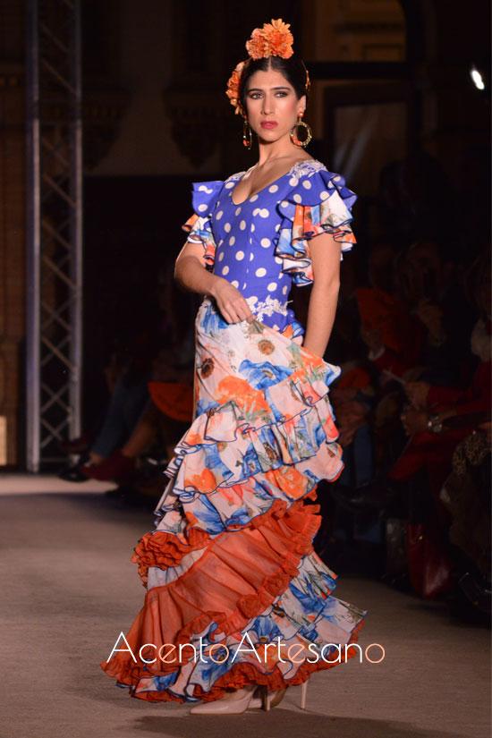 Traje de flamenca en azul y naranja de El Madroñal
