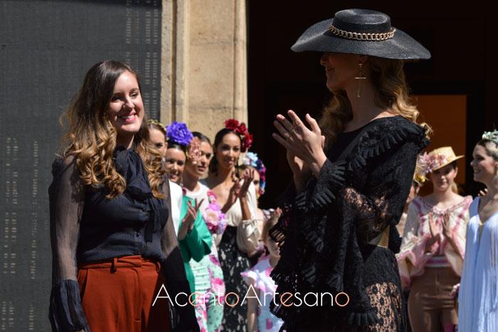 Rebeca Moda Flamenca tras el carrusel de su colección en Pasarela Flamenca Granada