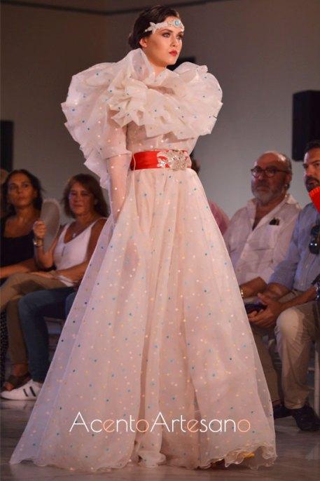 Vestido de novia con lunares de Alejandro Postigo en la SIQ 2019