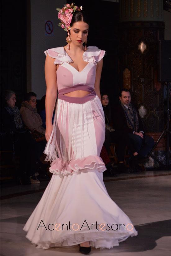 Traje de flamenca con flecos en la cintura de Beatriz Benítez