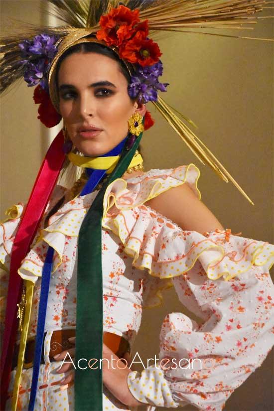 Detalles del estilismo flamenco de José Galváñ