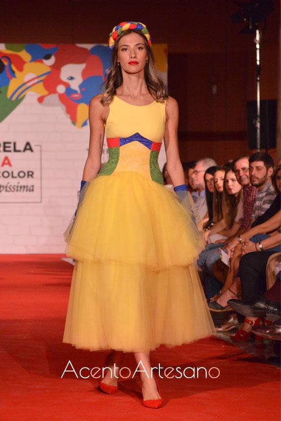 Vestido de tul de doble volante de Marina Peñuelas