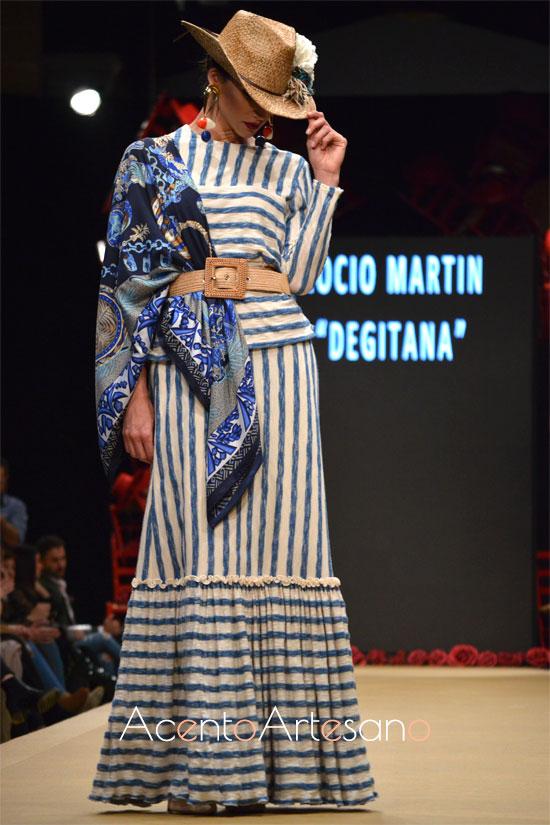 Traje de flamenca de rayas de Rocío Martín 'De Gitanta' en la Pasarela Flamenca Jerez Tío Pepe