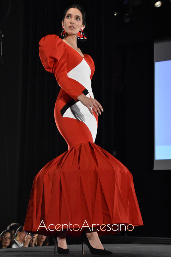 Traje de flamenca rojo de Humberto Cañas