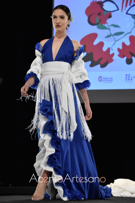 Traje de flamenca con cola de María Rosario Velasco