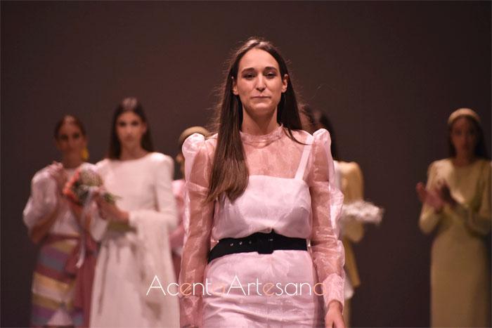 Rocío Ballesteros con el estilismo número 21 de su colección Biba tras el carrusel de su desfile en Code 41 Trending