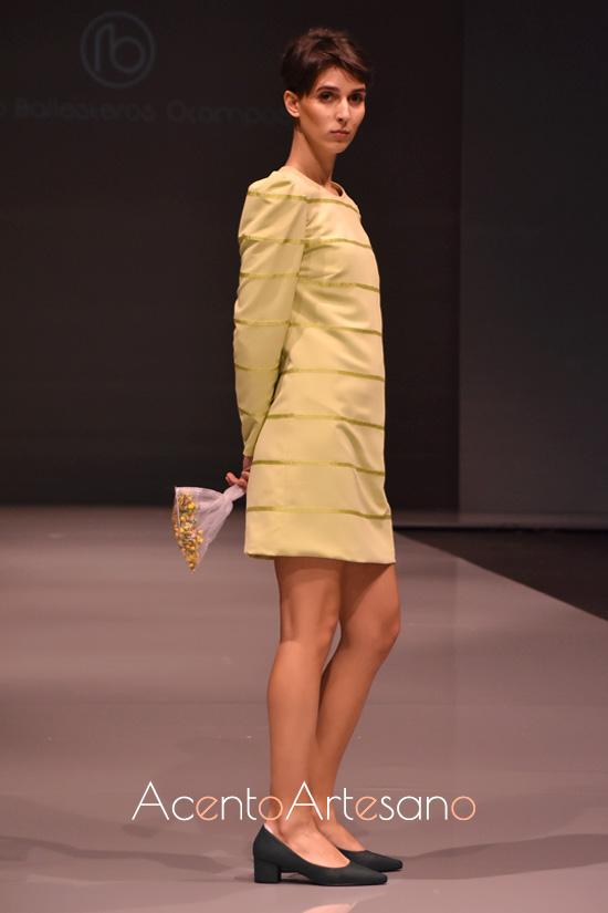 Vestido recto en verde pistacho de Rocío Ballesteros