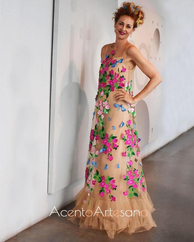 Esther Arroyo vestida de Juana Martín en la final de Aguja Flamenca