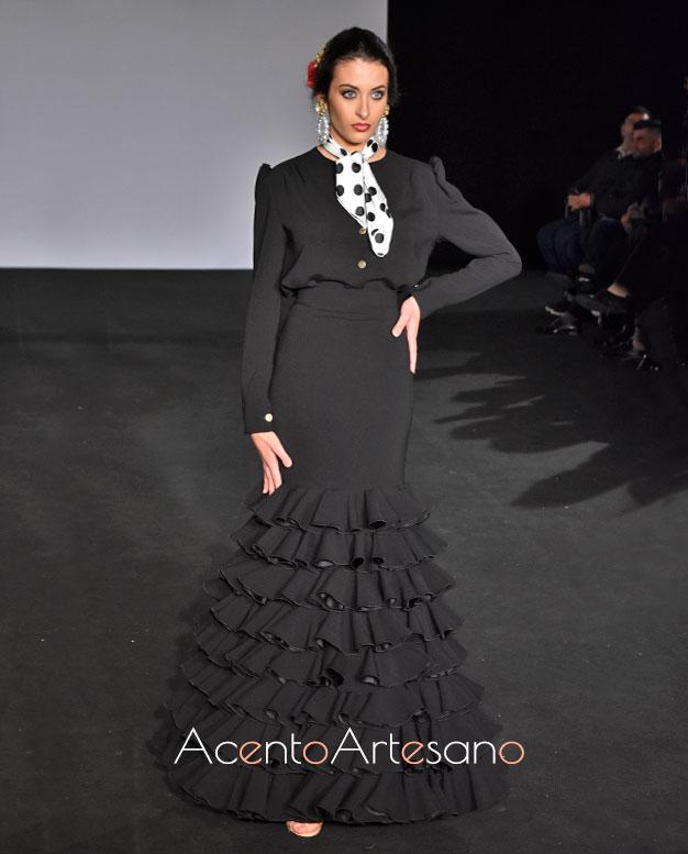 Traje de flamenca negro de Mg Macías