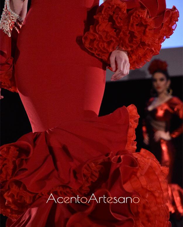 Traje de flamenca rojo de Rebeca Moda Flamenca de su nueva colección NoLiTa
