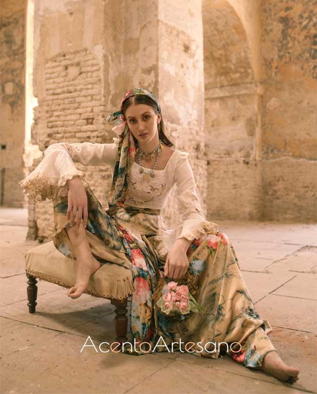 Diseño de falda estampada y camisa de Atelier Rima para SIQ, Handcraft & Fashion