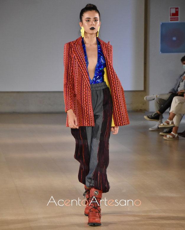 Chaqueta cruzada para pantalón deportivo de María Ávila en Code 41 Trending