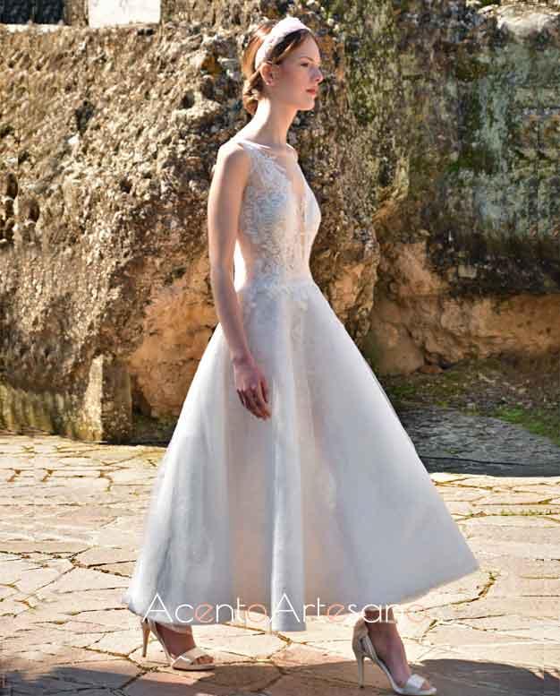Vestido de novia de largo midi de Higar Novias