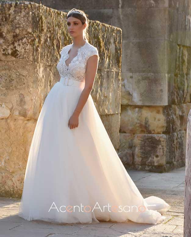 Vestido de novia corte princesa de Higar Novias