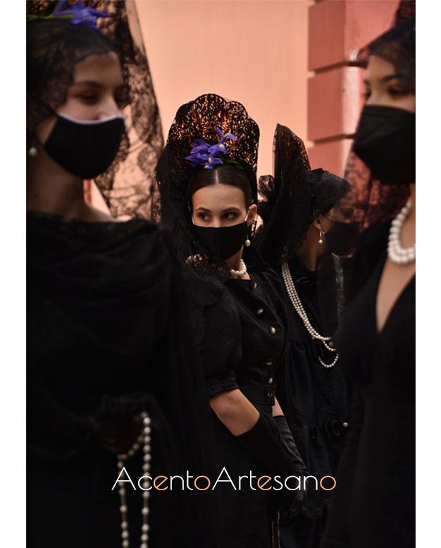 Vestido negro para mantilla de Antonio Gutiérrez