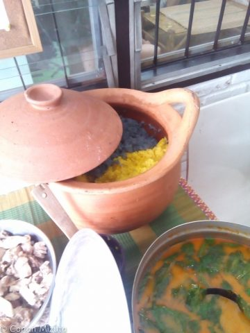 Jekkyの料理。ごはんの色に驚き