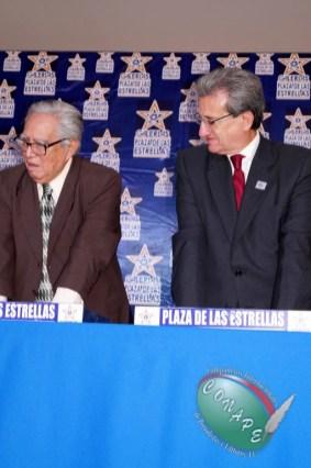 RAFAEL LORET DE MOLA PLASMÓ SUS HUELLAS EN GALERIA DE LAS ESTRELLAS (108)