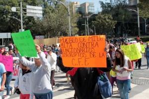 CON-GRANADEROS-RECIBE-CFE-A-COMUNEROS-DE-MILPA-ALTA-QUE-DENUNCIAN-CORRUPCION-DE-FUNCIONARIOS-4