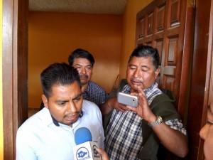 Habitantes-de-San-Miguel-Chicahua-cierran-palacio-y-exigen-desaparicion-de-poderes-1