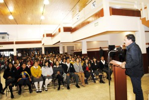 ESTUDIANTES-DE-9-INSTITUCIONES-DE-ALMOLOYA-DE-JUAREZ,-BENEFICIADOS-MEDIANTE-EL-PROGRAMA-BECALOS-2
