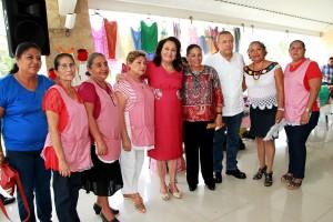 Mujeres-son-base-del-progreso--y-desarrollo-de-Centro-Bertruy-2