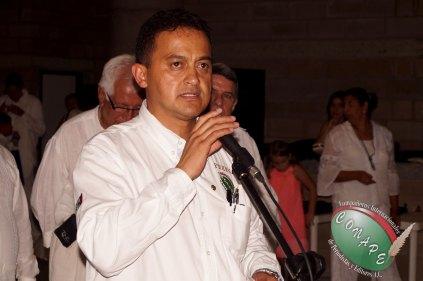 Presidente Internacional de CONAPE, Raúl González menciona la importancia del Pergamino de Oro Rafael Loret de Mola