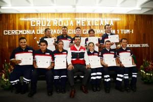 Graduó-Cruz-Roja-Estado-de-México-técnicos-en-urgencias-médicas-nivel-intermedio-1