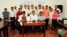Firman-convenio-de-colaboración-CONAPE-Internacional-y-Universidad-Alfa-y-Omega-3