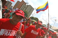 """""""Dale un parao al fraude"""" dicen los venezolanos que exigen a la oposición respetar la democracia"""
