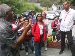 Reunión: Jefe de división de Atención al Ciudadano y cuerpo tecnico de Conatel y Cantv con la comunidad. (Foto: Jesús Fernández)