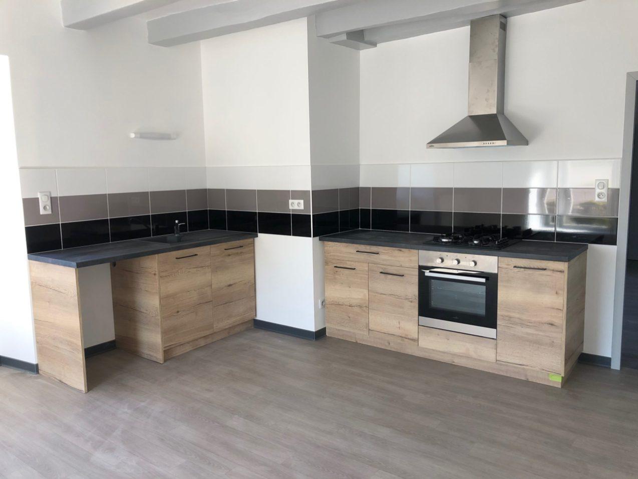 cuisine tendance sur mesure Lure Roye Belfort contemporaine moderne bois noir