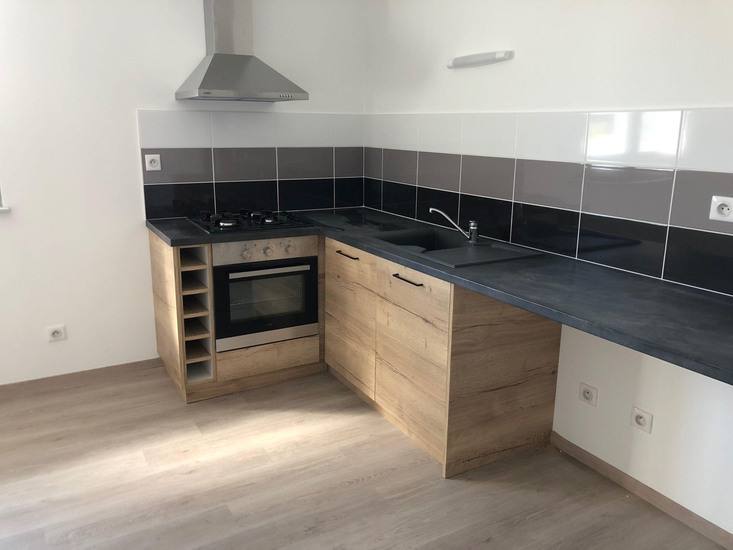 cuisine sur mesure Lure Roye Belfort contemporaine moderne bois noir