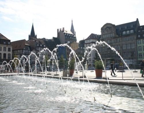 Strasbourg - Place Kléber - Fontaine à jets d'eau