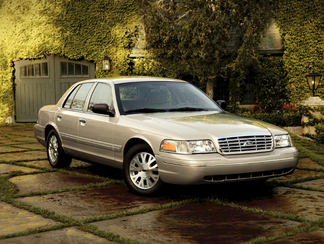 Crown Vic Car Wallpaper 2004 Ford Crown Victoria Image Photo 7 Of 9