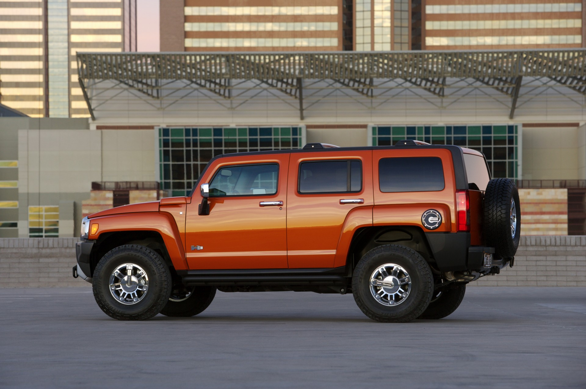 2008 Hummer H3 Alpha Technical Specifications and data Engine