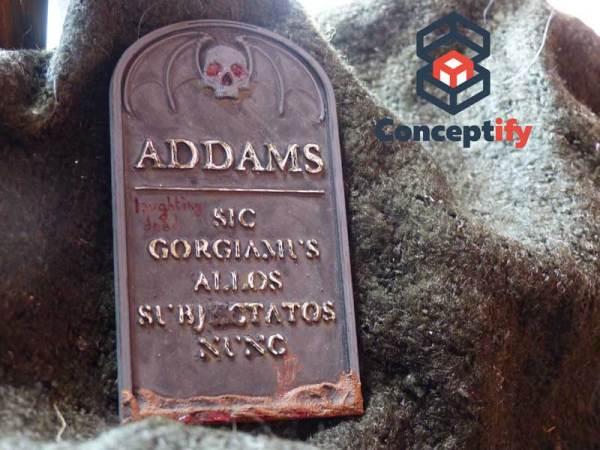 Pierre tombale famille Addams imprimée en 3D