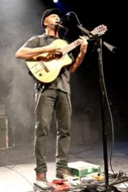 tom-morello-7d-4185-900