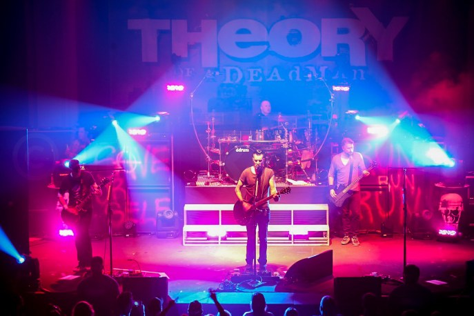 Theory of a Deadman @ Newport Music Hall © Jim Robson