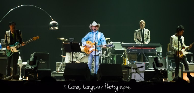 Dwight Yoakam @ First Ontario Centre © Carey Langsner