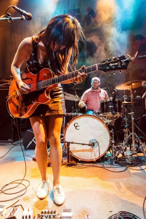 Thao and the Get Down Stay Down at the 9:30 Club © Matt Condon