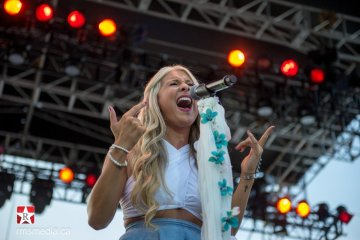 Madeline Merlo live at Sunfest 2015 in Duncan, BC © RMS Media