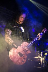 Gary Holt of Slayer @ The Ritz in Raleigh, North Carolina © Masen Smith